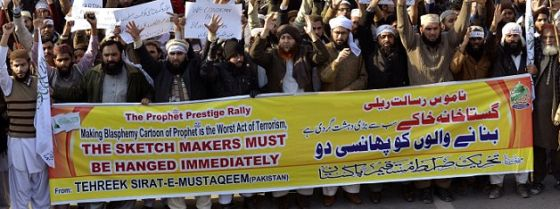 Rally in Lahore, Pakistan, protesting against Charlie Hebdo cartoonists.