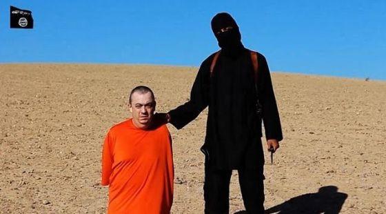 British aid worker, Alan Henning, and his executioner, alleged to be British jihadist, Mohammed Emwazi.